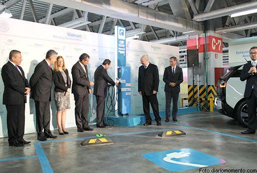PORSCHE, NISSAN, BMW Y C.F.E. INSTALAN ELECTROLINERAS UNIVERSALES