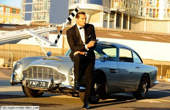 "AUTO PREFERIDO DE JAMES BOND ""007"""