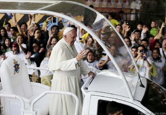 CINCO AUTOS USARA EL PAPA FRANCISCO EN MEXICO