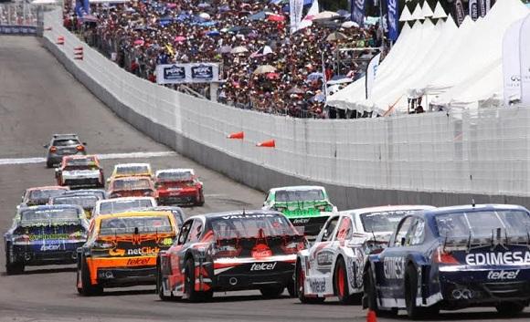UNA LARGADA DE ENSUEÑO 42 AUTOS EN LA NASCAR PUEBLA