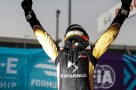 BERLIN TEMPELHOF AIRPORT, GERMANY - AUGUST 09: Antonio Félix da Costa (PRT), DS Techeetah, DS E-Tense FE20, wins the Formula E Championship during the Berlin ePrix IV at Berlin Tempelhof Airport on Sunday August 09, 2020 in Berlin, Germany. (Photo by Sam Bloxham / LAT Images)